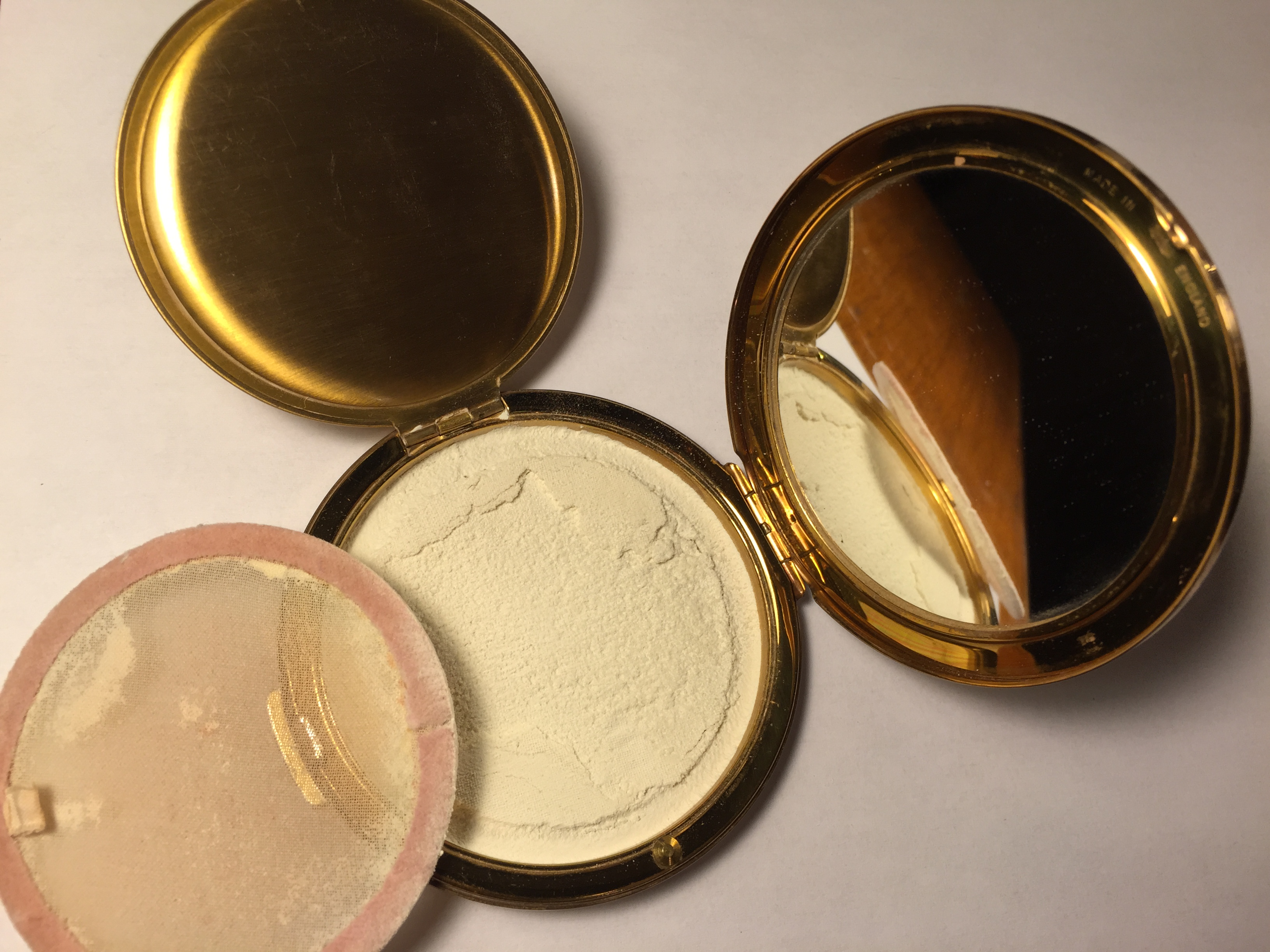 Vintage 1950s Stratton Loose Powder Compact