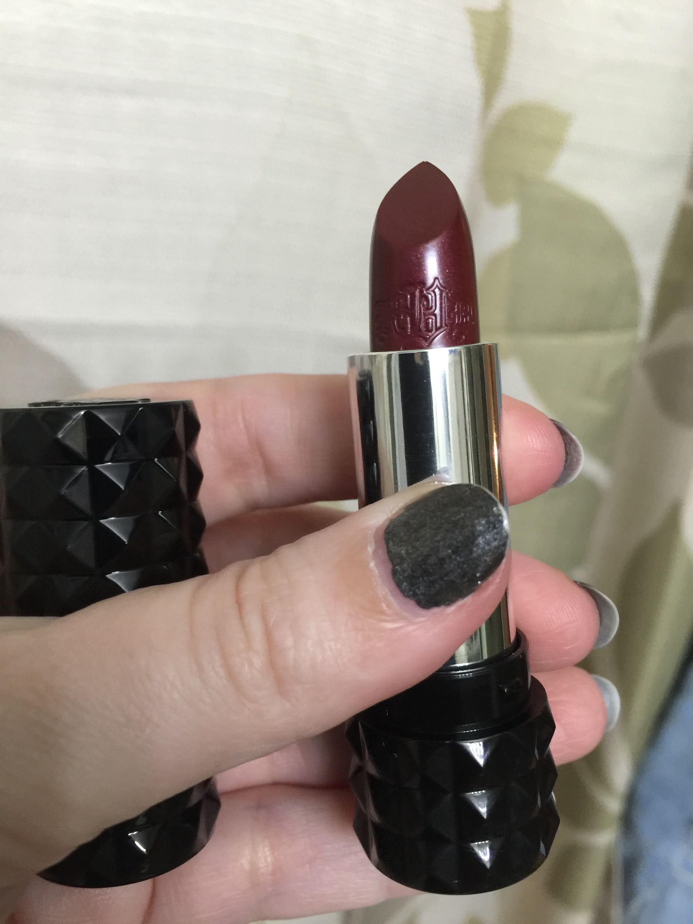 Bold lips with Kat Von D Studded Kiss Lipstick in Mercy | A Bad Homance